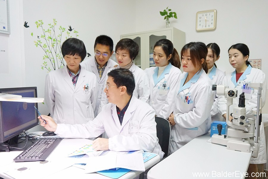 视光专科团队.JPG